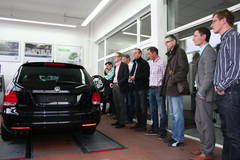 Wirtschaftsjunioren zu Gast im Autohaus Eschengrund » Wirtschaftsjunioren Neubrandenburg
